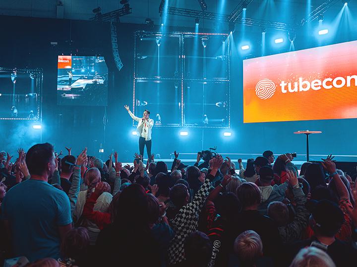 """Tämän vuoden Tubeconissa 16.–17.8. teemana oli """"Tulevaisuus"""". Dagmar Stories keräsi huomioita perjantai-iltapäivältä."""