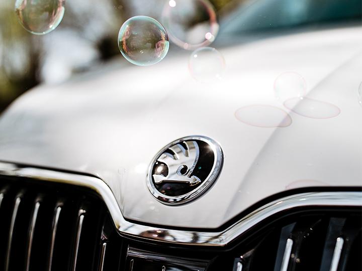 ŠKODA on sijoittunut Suomessa markkinaosuuksissa kolmanneksi ja ollut suosituin yritysauto jo useamman vuoden ajan. Positioon pääsy on vaatinut hyvän tuotteen lisäksi hyvää brändityötä.