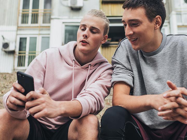 Dagmarin digitaalisen median tutkimuksessa (N=1000) kysyttiin syys-lokakuussa 2019 suomalaisilta, miten he jakavat somesisältöä lähipiirilleen.